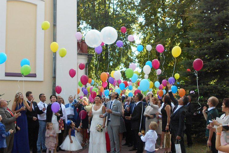 Wspólne wypuszczanie baloników